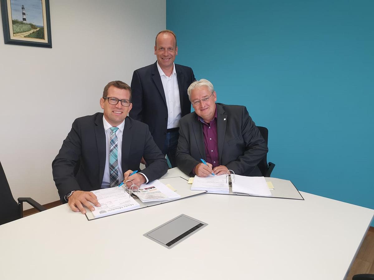 Bürgermeister Felix Wissel Bucht Glasfaser Für Die Mömbriser Verwaltung